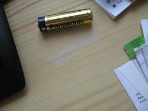 Ausgeblichene Stelle von Batteriesäure